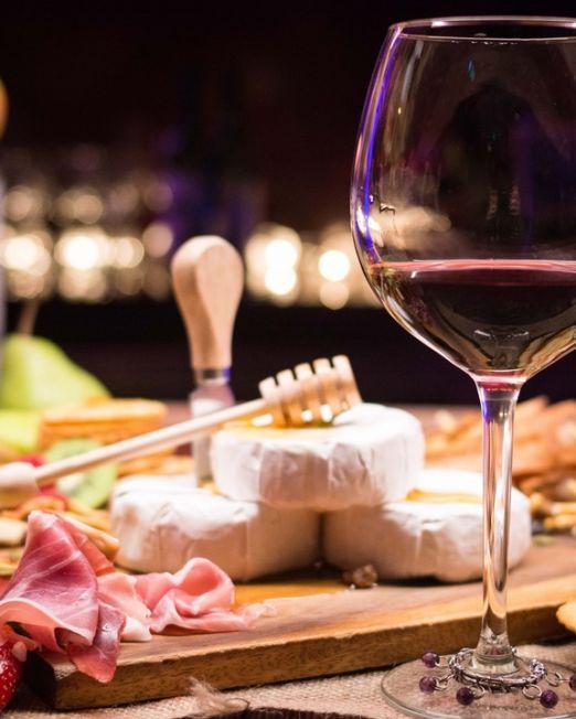 Tuscany vineyards wine tasting