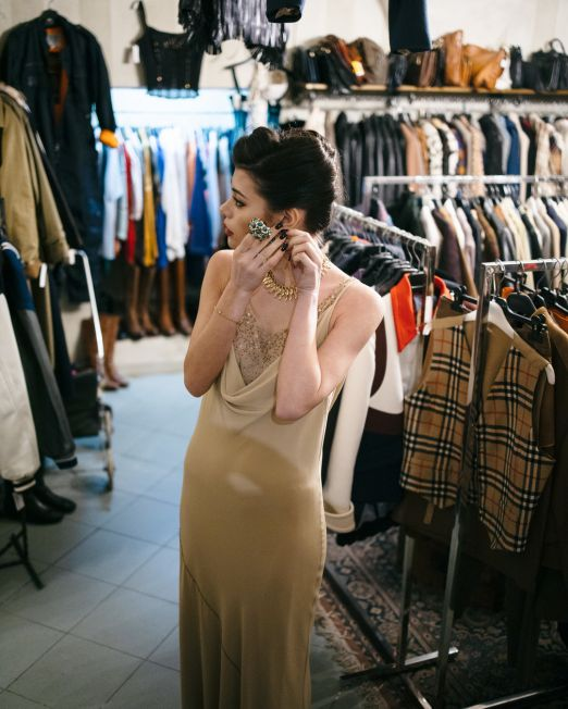 luxury Vintage Styling Shopping